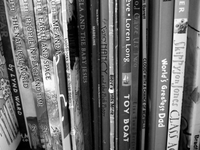 Books bW